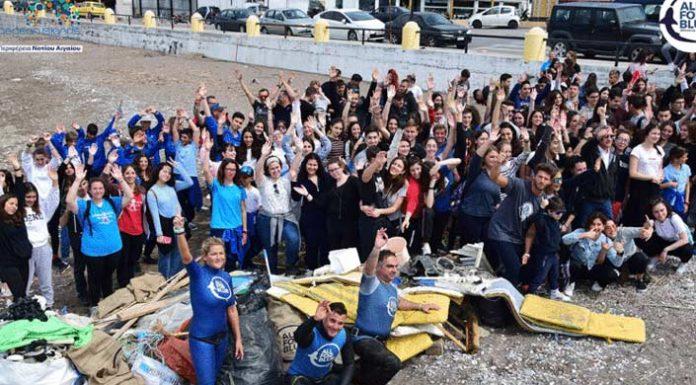 Μαθητές μαζεύουν 223 κιλά σκουπιδιών στην Ρόδο