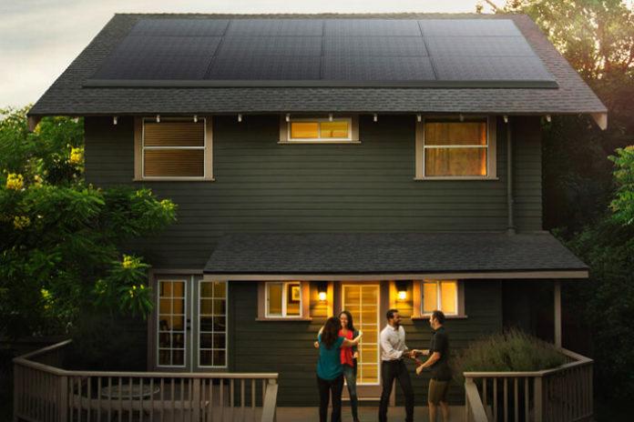 Ενοικίαση φωτοβολταϊκών πάνελ από την Tesla Solar