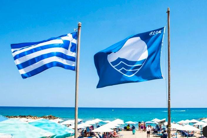 Οι ελληνικές πόλεις με τις περισσότερες παραλίες με γαλάζια σημαία για το 2020